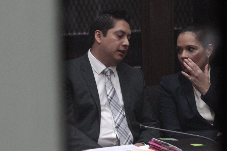 Roxana Baldetti junto a su abogado. (Foto: Esteban Biba/EFE)