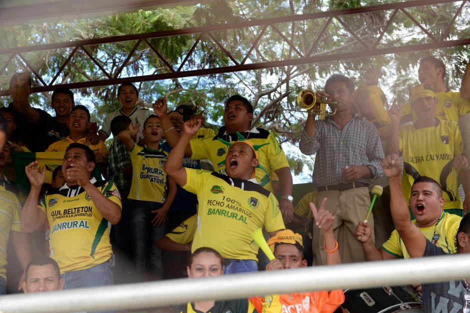 """En buen número respondieron los aficionados del """"Pecho amarillo"""", en el estadio David Cordón Hichos.(Foto: Nuetro Diario)"""