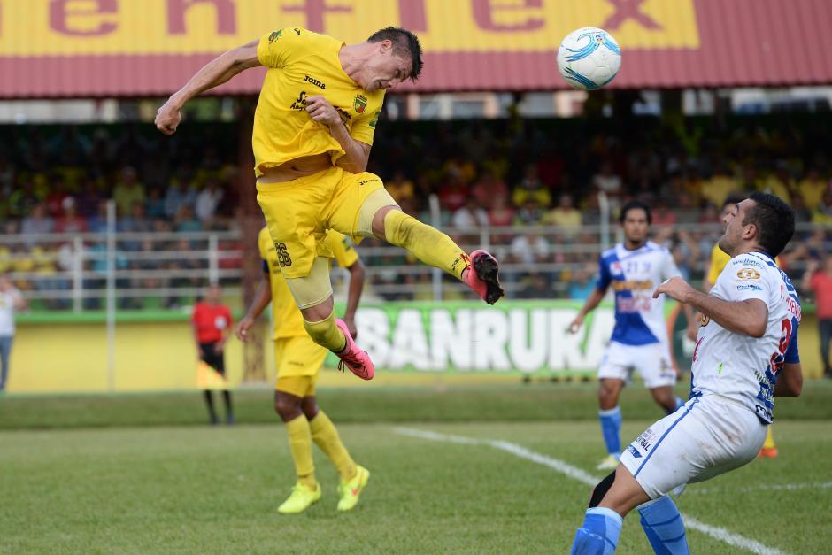 Los guastatoyanos sacaron ventaja de los goles de visita para ganar la serie ante los venados. (Foto: Nuetro Diario)