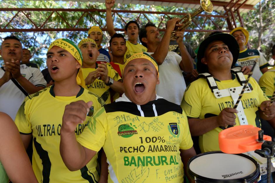 """La afición de los """"Pecho amarillo"""" ha gozado a su equipo en los graderíos del estadio David Cordón Hichos.(Foto: Nuestro Diario)"""
