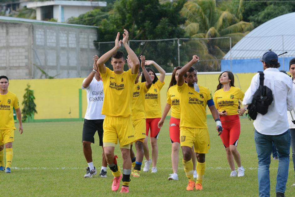 Así celebraron los jugadores de Guastatoya tras el pitazo final.(Foto: Nuestro Diario)