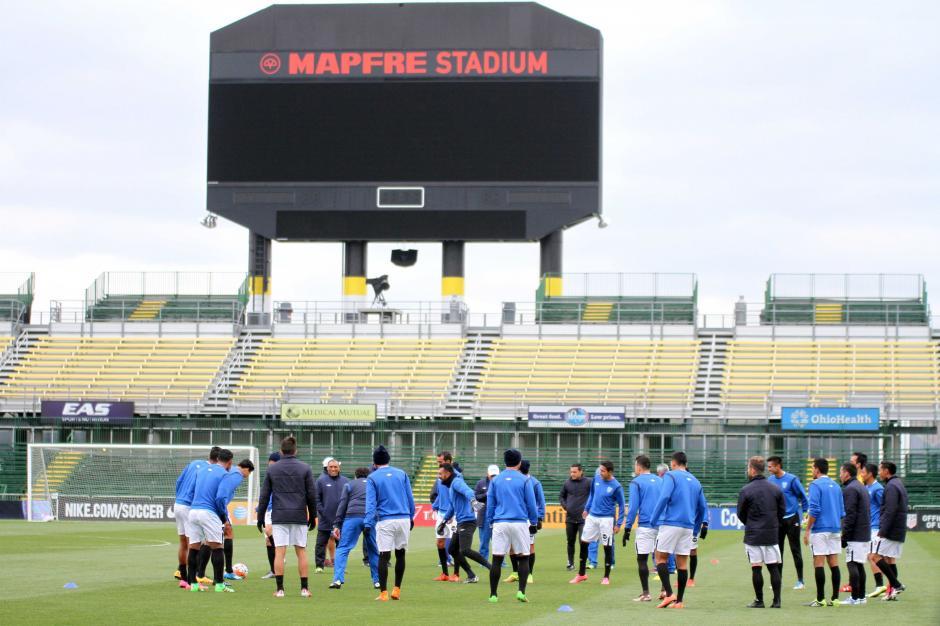 Frío y viento acompañó el entreno de la Selección en Ohio, Estados Unidos. (Foto: Luis Barrios/enviado especial de Soy502)