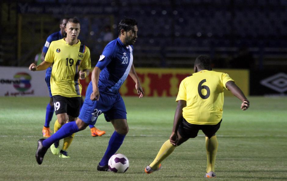 Carlos Ruiz fue el que más buscó para la Sele durante todo el partido. (Foto: Luis Barrios/Soy502)