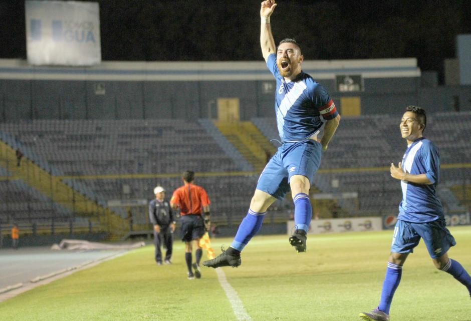 Un salto y el grito de gol de Márquez. (Foto: Luis Barrios/Soy502)
