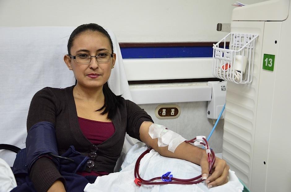 Jennifer Martínez, paciente renal espera un donante de riñón. (Foto: Selene Mejía/Soy502)