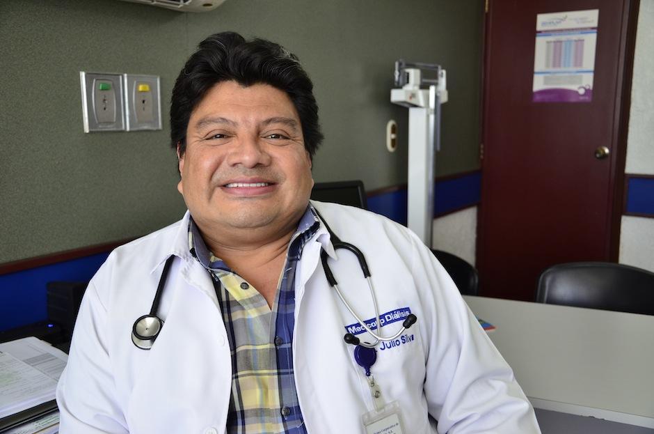 El nefrólogo Julio Silva aconseja realizar exámenes a tiempo. (Foto: Selene Mejía/Soy502)