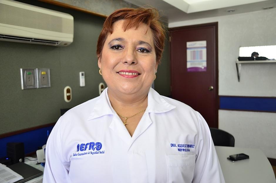 La presidenta de la Asociación Guatemalteca de Nefrología Agualuz Hernández nos invita a ser donantes. (Foto: Selene Mejía/Soy502)