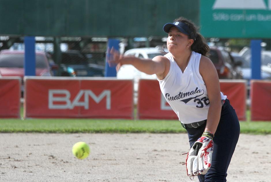 Monge es una de las pitchers de la Selección guatemalteca de Softbol. (Foto: Luis Barrios/Soy502)