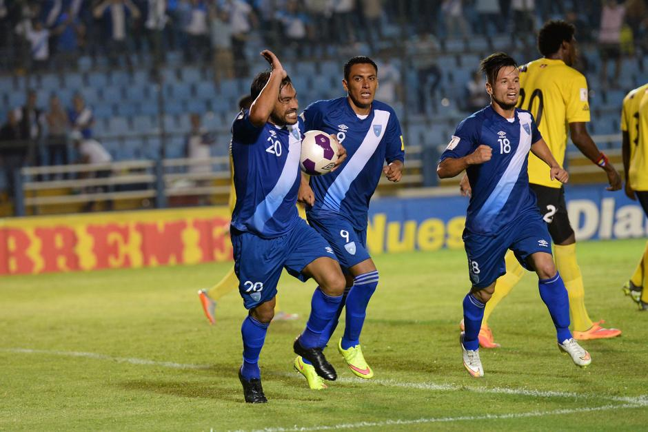 El goleador de siempre, Carlos Ruiz, le devolvió a Guatemala la alegría con su gol en el segundo tiempo. (Foto: Sergio Muñoz/Nuestro Diario)