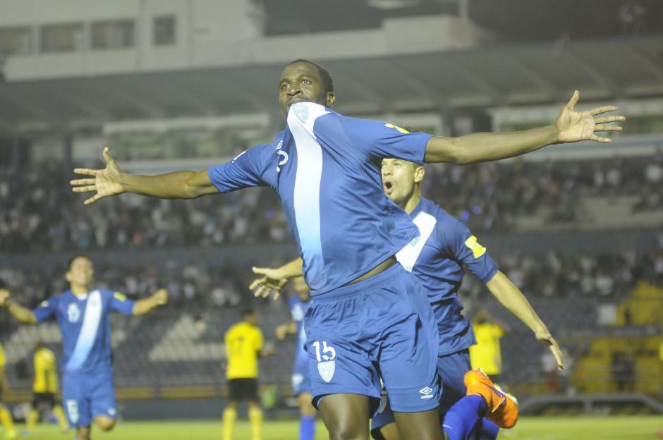 El hondureño nacionalizado guatemalteco, Denniss López, festejó su primer gol con la Bicolor. (Foto: Orlando Chile/Nuestro Diario)