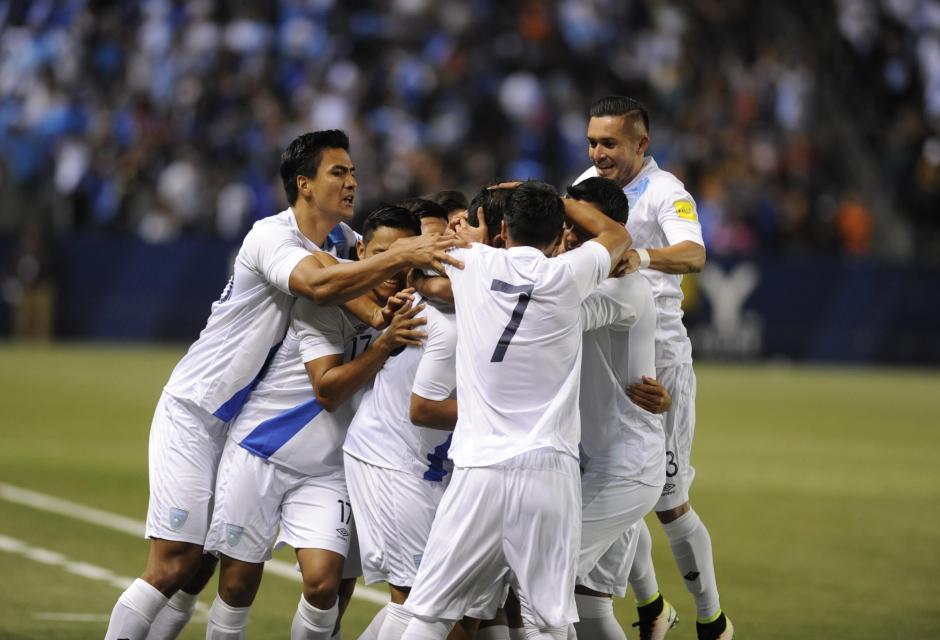 Los seleccionados nacionales celebraron el único gol que cayó en los primeros minutos del juego. (Foto: Álvaro Yool/Nuestro Diario)