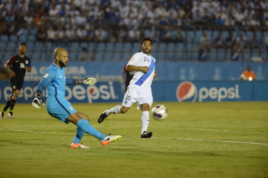 Tim Howard no pudo ante la selección guatemalteca (Foto: Diego Galiano/Nuestro Diario)