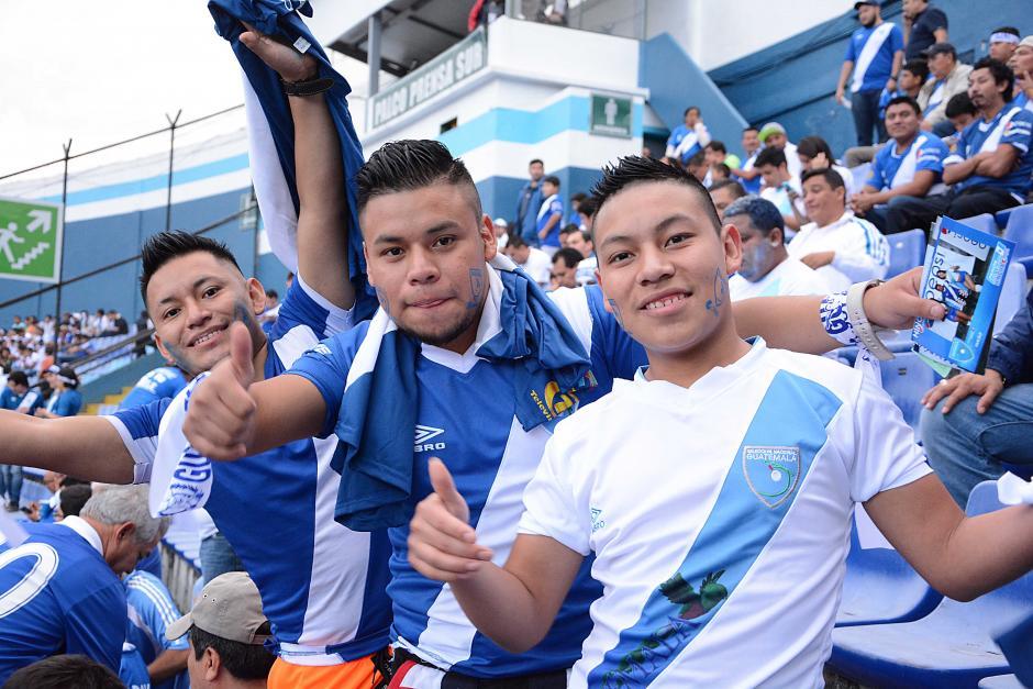 Los aficionados acudieron al llamado de su selección para el partido contra Trinidad y Tobago. (Foto: Nuestro Diario)