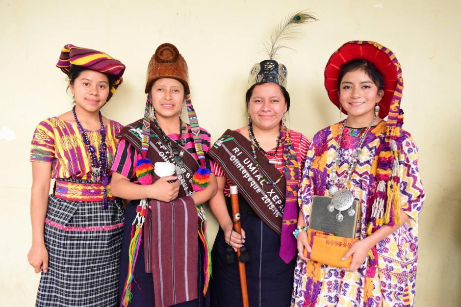 """Con el cargo de """"La hija del pueblo de Xelajú"""" ha realizado varios trabajos sociales en Quetzaltenango. (Foto: Facebook, Helen De Paz)"""