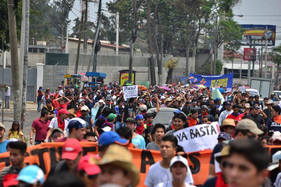 Estudiantes de la Usac hicieron un recorrido hasta la Plaza Central. (Foto: Archivo/Soy502)