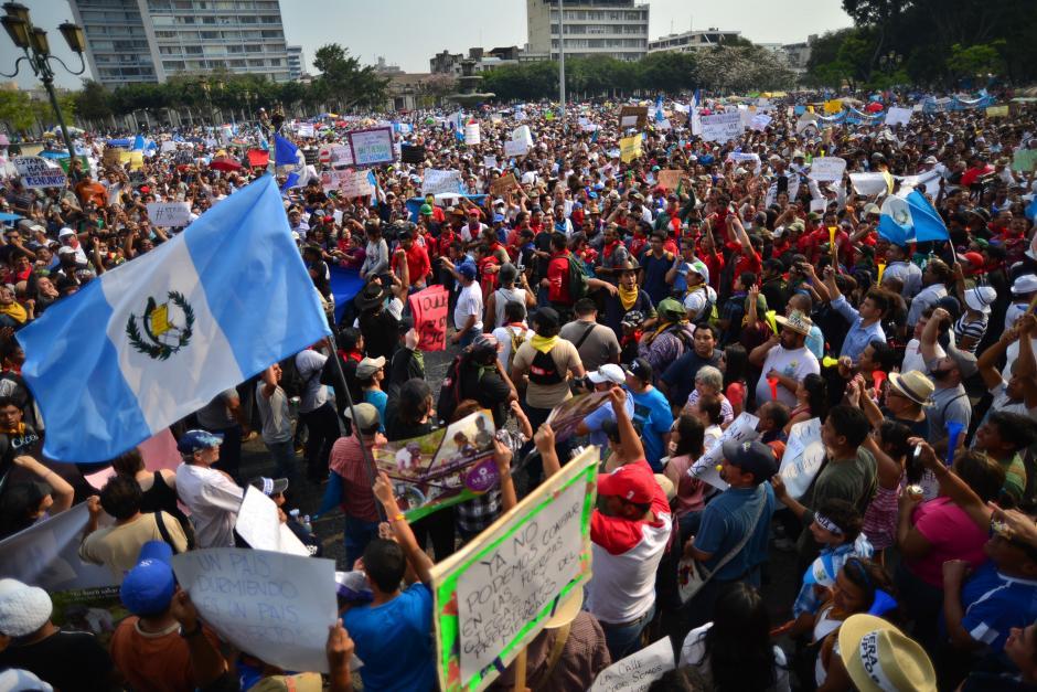 La Plaza Central fue inundada por miles de guatemaltecos. (Foto: Archivo/Soy502)