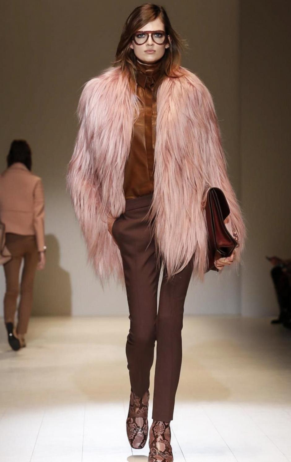 La exhuberancia no puede faltar en las piezas de Gucci. (Foto: NowFashion)