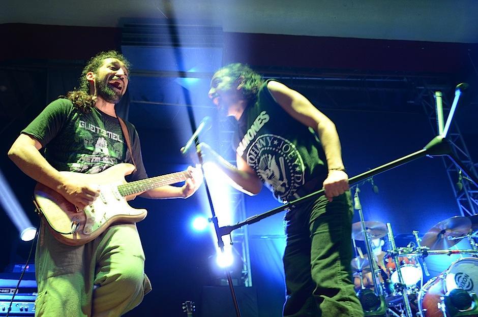 """""""Suicida"""" fue la canción con la que La Tona abrió el concierto. (Foto: Selene Mejía/Soy502)"""