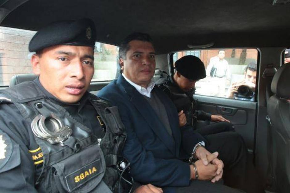 Las Fuerzas Especiales de la Policía Nacional Civil (PNC) trasladaron a Martínez a Tribunales. (Foto: Wilder López/Soy502)