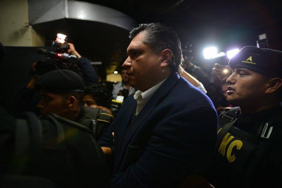 Gustavo Martínez llegó bajo un fuerte dispositivo de seguridad al Organismo Judicial. (Foto: Wilder López/Soy502)