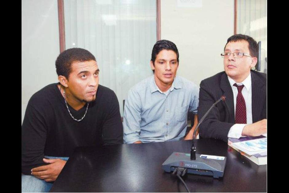 El abogado Gustavo Juárez defendió a los exfutbolistas Guillermo Ramírez, Gustavo Cabrera y Johny Flores quienes fueron suspendidos de por vida. (Foto: Archivo/Soy502)