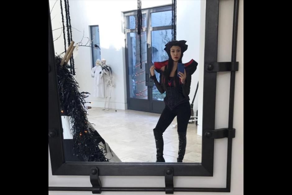 Kourtney Kardashian lució como villana de Disney. (Foto: Instagram)