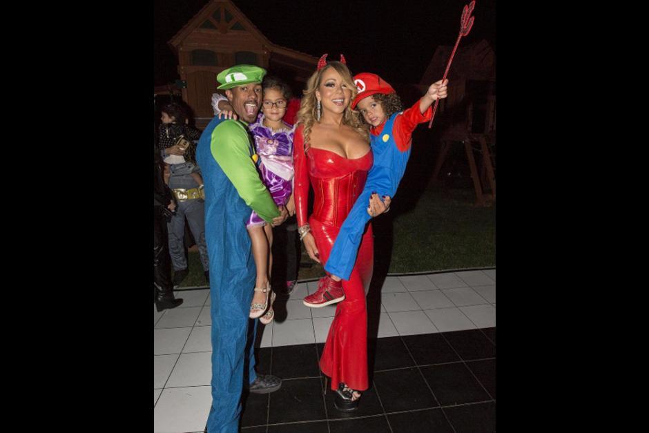 Mariah Carey , decidió disfrazarse de diablita y festejar con sus hijos y su ex marido Nick Cannon. (Foto: Instagram)