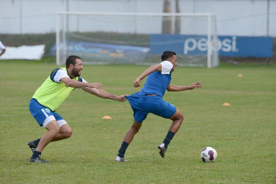 Hamilton López y Gerson Tinoco en la práctica de la Sele en Proyecto Goal. (Foto: Diego Galiano/Nuestro Diario)