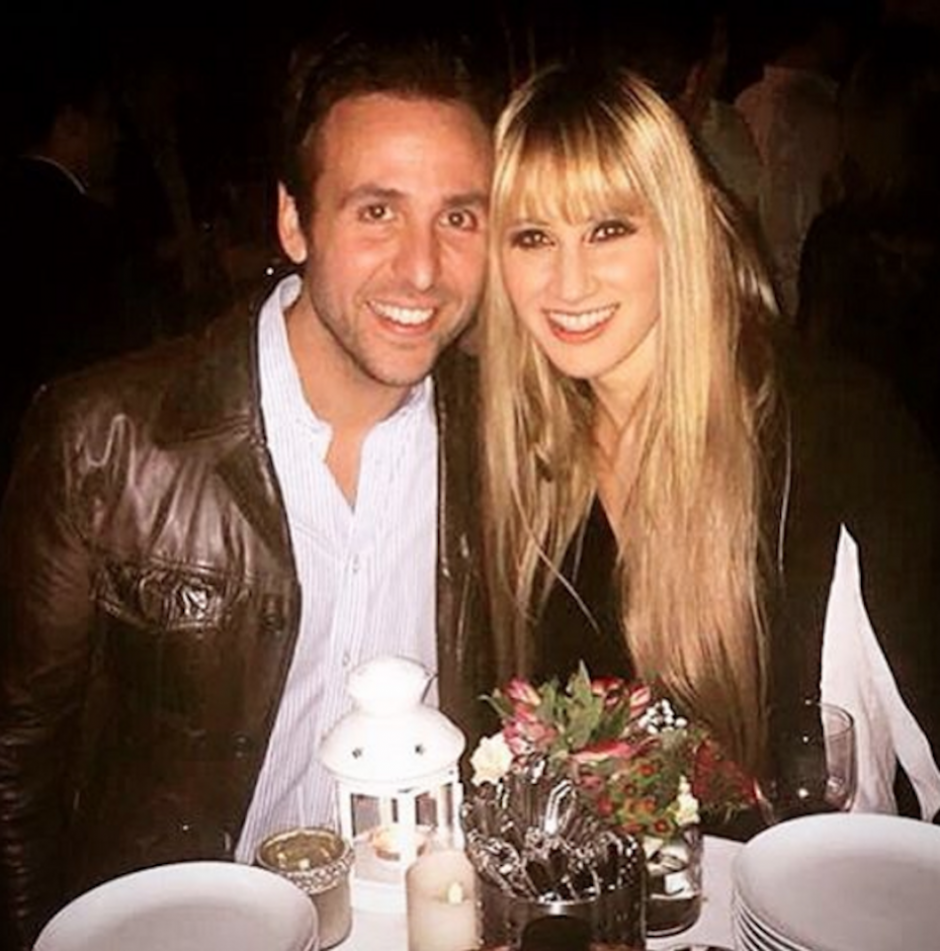 Hanna publicó emocionada en el twitter oficial de la agrupación una fotografía con su prometido, Juan Carlos. (Foto: Ha*Ash instagram)