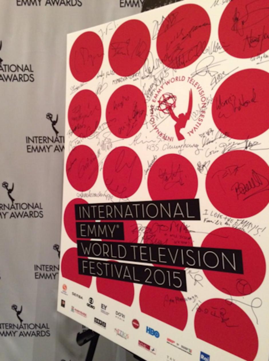 Los nominados de este año plasmaron su firma en un mural muy especial. (Foto: International Emmy Awards oficial)