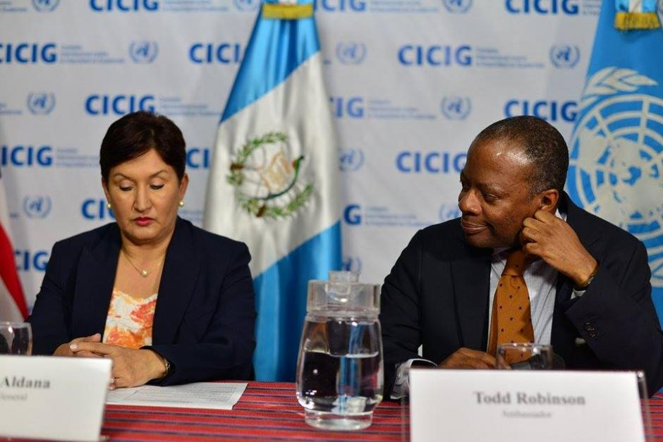 En la reunión también participó la fiscal general de Guatemala Thelma Aldana y el embajador de Estados Unidos Todd Robinson. (Foto: Wilder López/Soy502)