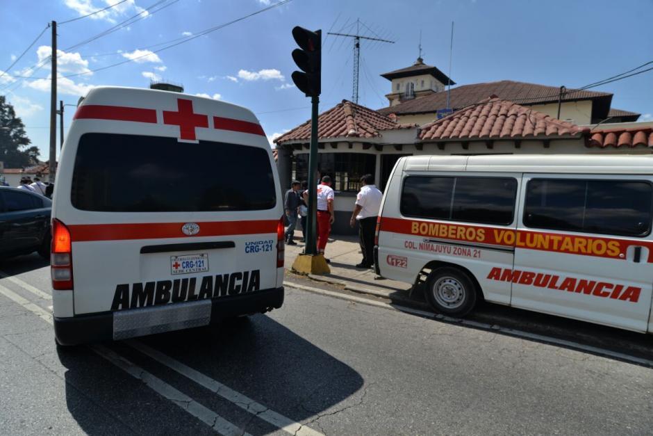 Algunas unidades de Bomberos Voluntarios no ingresaron al Aeropuerto por protocolo de seguridad. (Foto: Jesús Alfonso/Soy502)