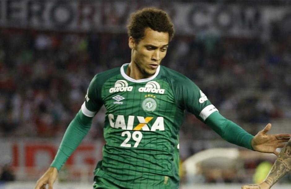 El defensa del Chapecoense Hélio Neto sufrió una fractura en el cráneo. (Foto: andina.com.pe)