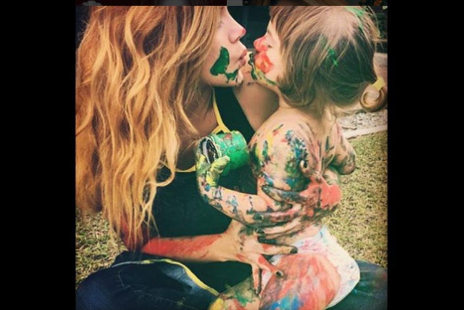 Tiene una pequeña niña llamada Samantha. (Foto: Instagram)
