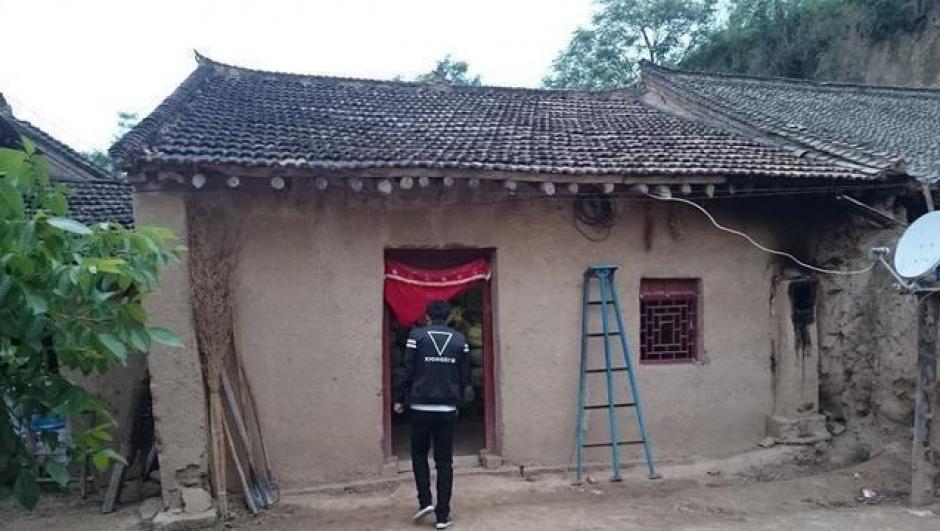 El joven cuenta que su esposa lo abandonó tres días de casarse. (Foto: shanghaiist.com)