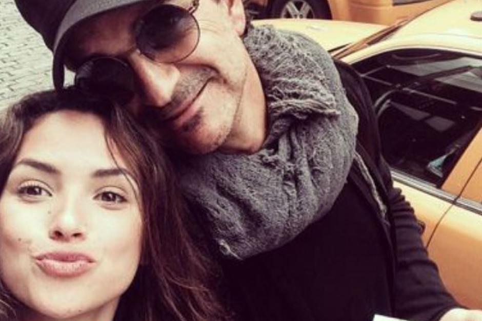 Ricardo Arjona junto a su hija Adria. (Foto: Google)