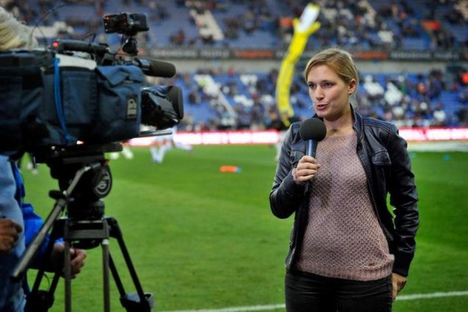 La reportera belga asegura que fue acosada por futbolistas vía mensajes. (Foto: Eendrach)