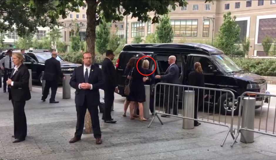 Clinton sufrió un aparente desmayo mientras se dirigía a su camioneta. (Imagen: Twitter/@@zgazda66)