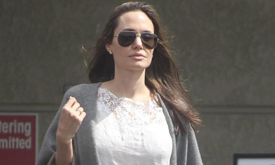 Angelina Jolie busca que todo el poder sobre los niños esté en sus manos. (Foto: Hola)