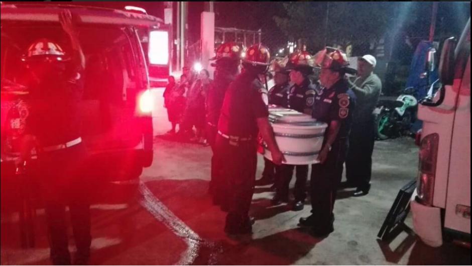 El cuerpo del pequeño fue ingresado a la estación a las 00:15 horas de este sábado. (Foto: Twitter/@@CBMDEPTAL)