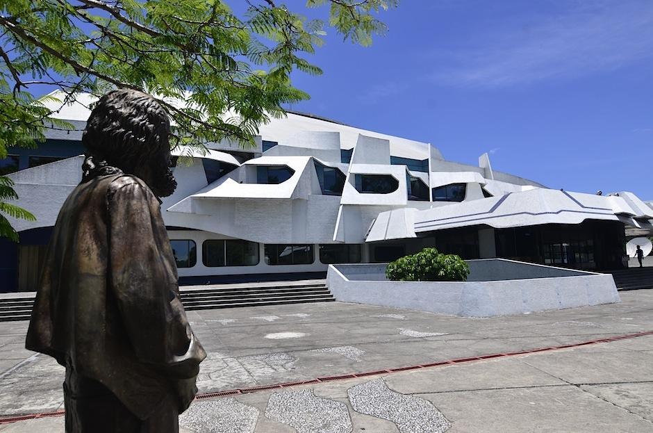 El maestro Efraín Recinos recibirá un emotivo homenaje. (Foto: Selene Mejía/Soy502)