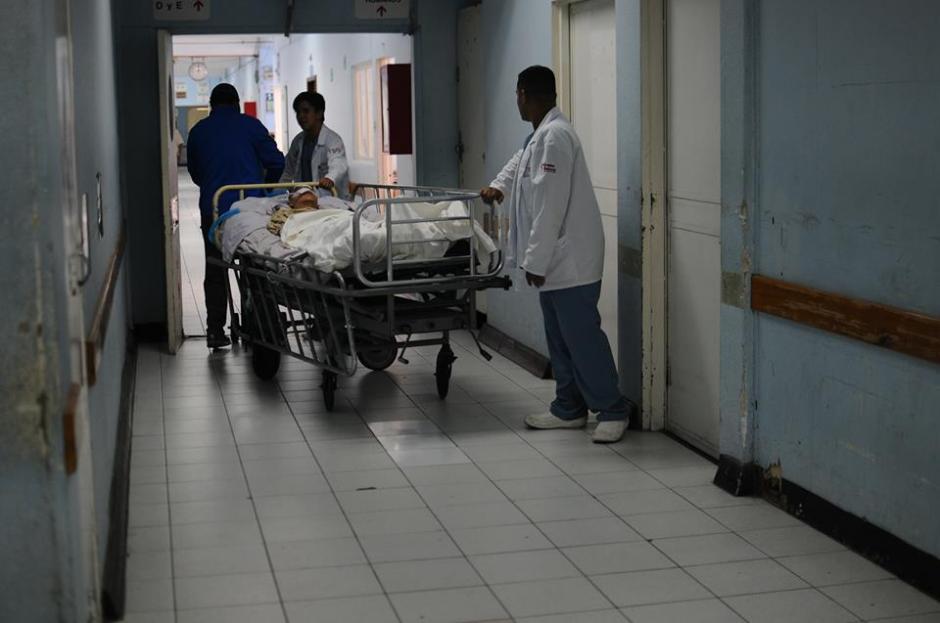 No todos los pacientes pueden conseguir una cama. (Foto: Alejandro Balán/Soy502)