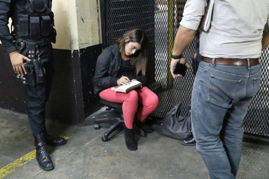 Adriana María Morales Medina fue capturada con un arma en el Hospital General. (Foto: Archivo/Soy502)