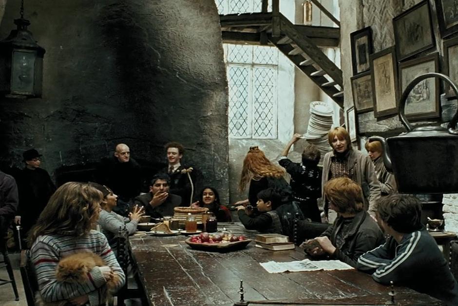 El Caldero Chorreante se encuentra en la calle Charing Cross, en Londres, es un bar popular exclusivo para magos. (Foto: Archivo)