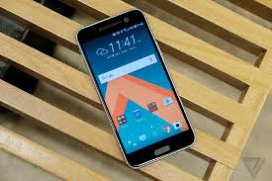 El HTC 10 busca competir contra Apple y Samsung.  (Foto: HTC/ Lifestyle Images)