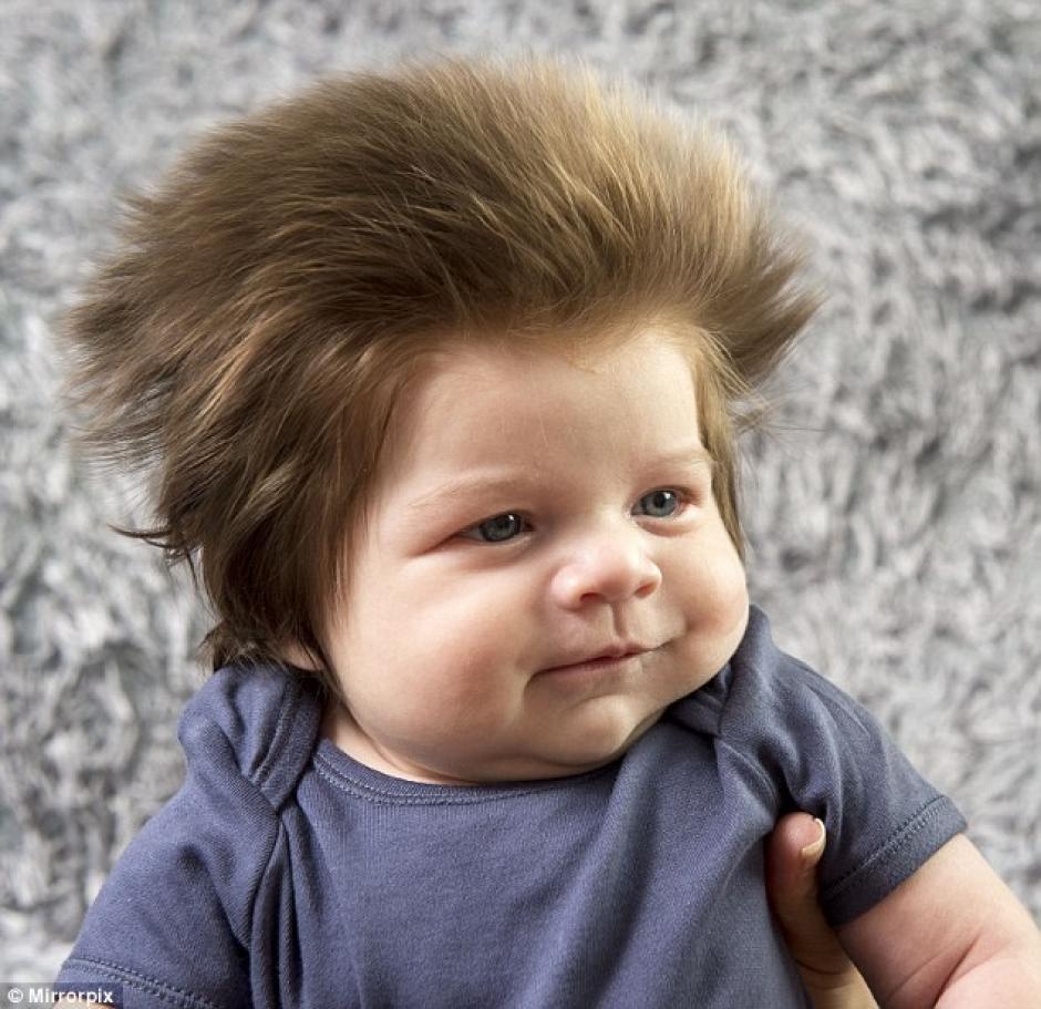 Junior Cox-Noon cuenta una peculiar cabellera. (Foto: Daily Mail)