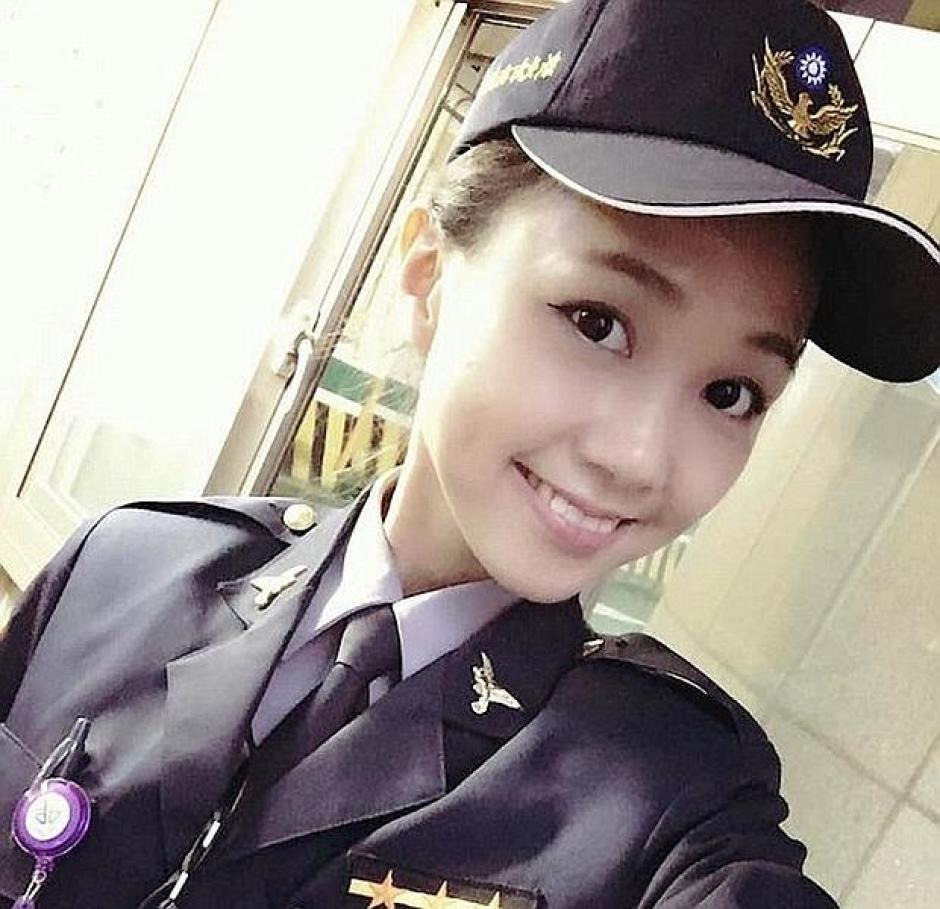 La agente policial ha levantado revuelo en las redes sociales asiáticas por su belleza. (Foto: ABC)