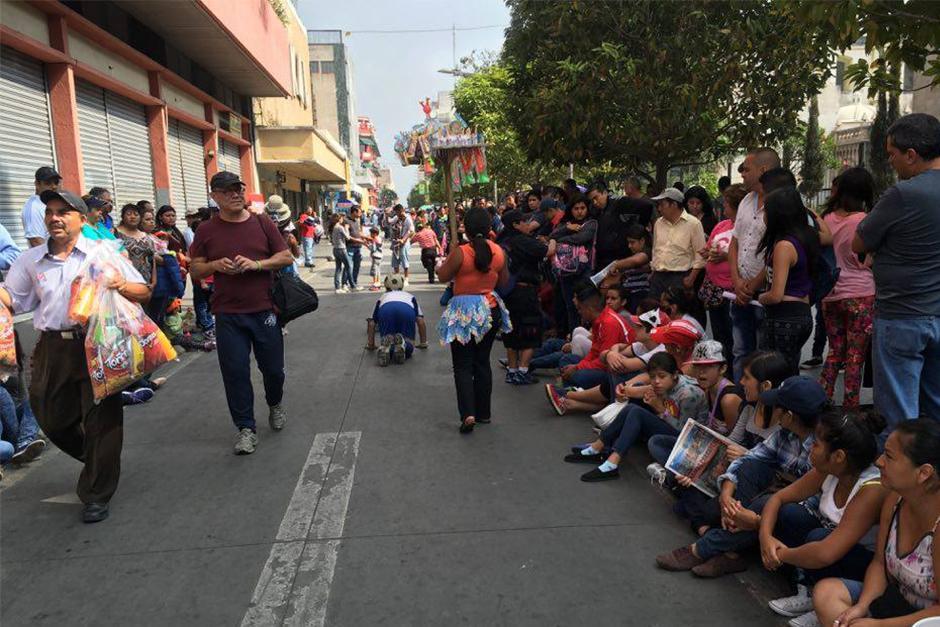 También hubo burlas en contra de otros funcionarios públicos. (Foto: Carlos Caljú/Nuestro Diario)