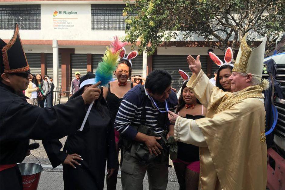 Ni los periodistas se libraron de las bromas de los huelgueros. (Foto: Carlos Caljú/Nuestro Diario)