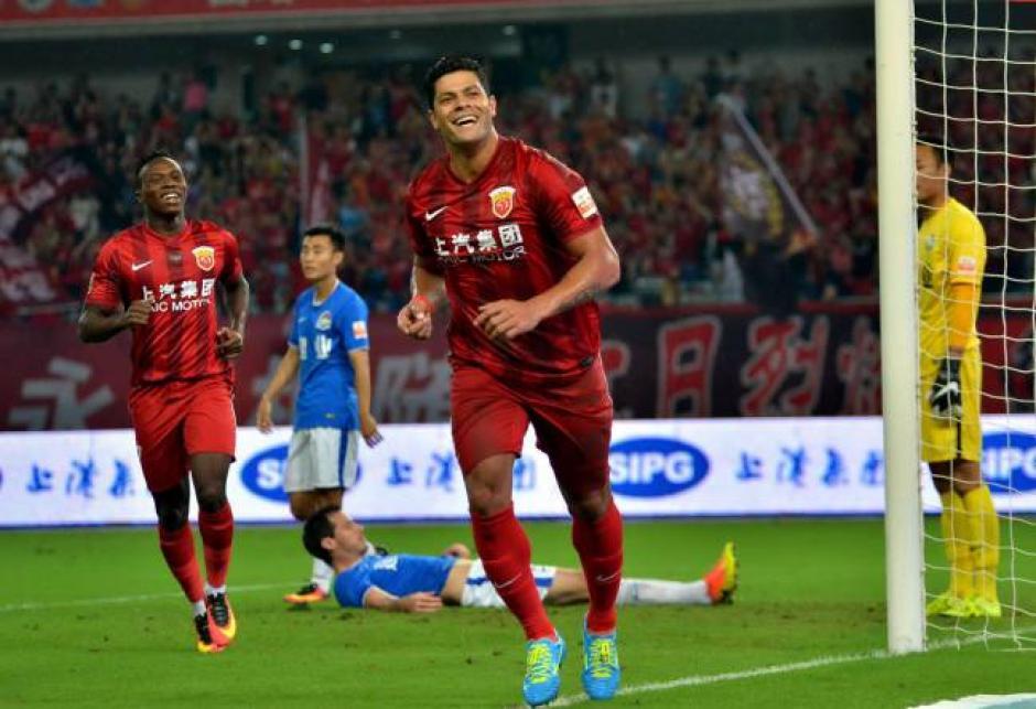 El brasileño Hulk gana 18.29 millones de dólares al año por jugar con el Shanghai SIPG de China. (Foto: AS)